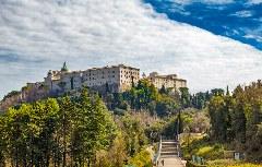 Die Abtei Montecassino oberhalb der Kleinstadt Cassino