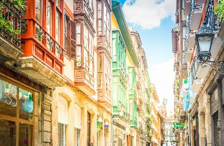 farbenprächtig Altstadt von Bilbao