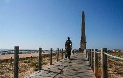 E Obelisco am Camino Portugués Costa