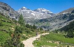 Wanderer im Ordesa-Tal