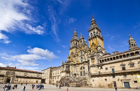 Praza do Obradoiro und die Jakobus-Kathedrale in Santiago