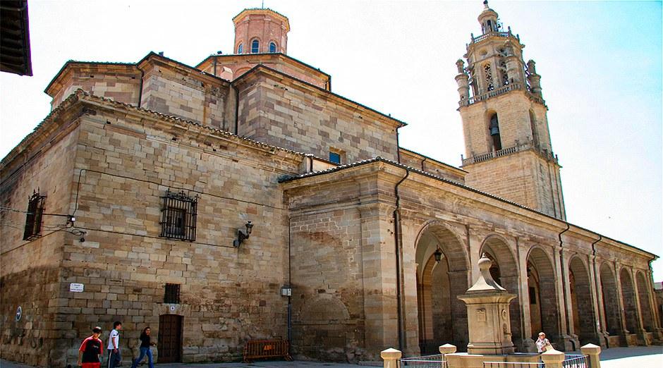Kirche Santa María de los Arcos